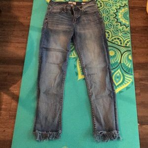 Black Daisy Fringe Cropped Jeans